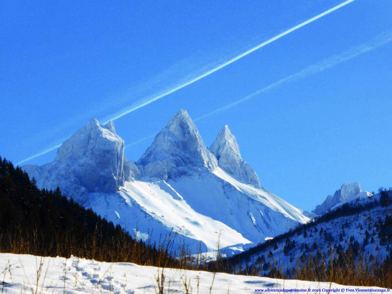 Les Aiguilles d'Arves sous la neige