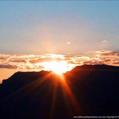 Ven. Lever de soleil massif des Aiguilles d'Arves