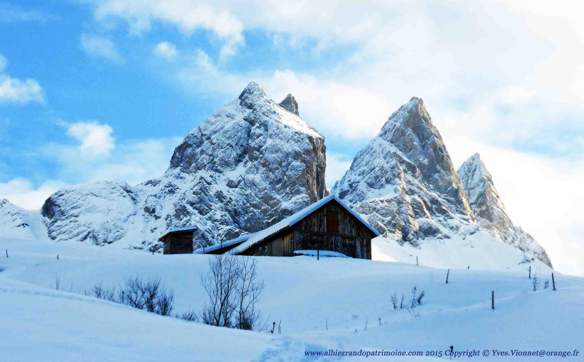 """""""Fondue au chalet d'alpage"""" une randonnée de toute beauté et une soirée hors du temps."""